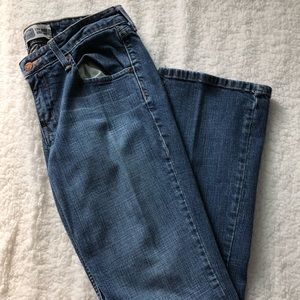 🌸3 for $20🌸Levi low rise Bootcut denim jeans